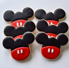Mickey Mouse Cookies One Dozen by CookiesByHannah on Etsy Disney Mickey Mouse, Minnie Mouse Cookies, Mickey Mouse Clubhouse Birthday Party, Disney Cookies, Mickey Party, 2nd Birthday, Mickey 1st Birthdays, Mickey Mouse Birthday Cake, Mickey Cakes