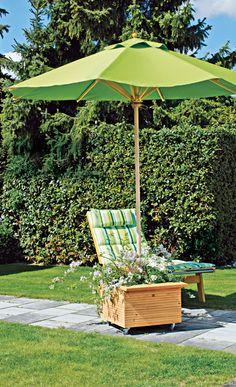 fahrbarer sonnenschirmst nder aus alten weinkisten balkon pinterest sonnenschirmst nder. Black Bedroom Furniture Sets. Home Design Ideas