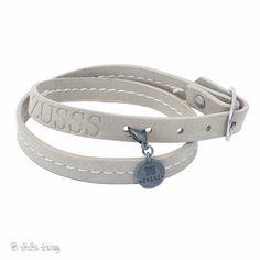 Zusss armband met gesp in de kleur poedergrijs.