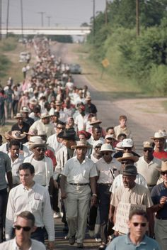 """"""" Martin Luther King walks in the March Against Fear (1966) """""""