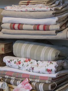 lovely mix of linens...