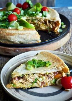 Crunch wrap med kylling i paiform - Mat På Bordet Crunch Wrap, Crunches, Tex Mex, Tacos, Wraps, Meat, Healthy, Ethnic Recipes, Food