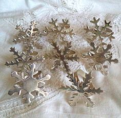 Set 8 Napkin SNOWFLAKES Holders SPARKLING Silver by FranciesFare