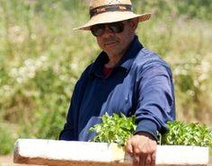 Manuel de la Vega es hortelano y un gran Relaciones Públicas en los voluntariados | La Huerta de la Fundación
