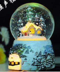 Goedkope Valentijnsdag gift lichtgevende kristallen bal sneeuw vlagen house…