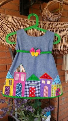 Frocks For Girls, Kids Frocks, Cute Little Girls Outfits, Kids Outfits, Baby Dress Design, Embroidery On Clothes, Patchwork Dress, Baby Girl Dresses, Doll Clothes Patterns