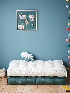 Grand matelas de sol Flèches vert grisé imprimé - Vertbaudet Bedroom Loft, Kids Bedroom, Bedroom Decor, Upcycled Home Decor, Diy Home Decor, Kids Art Space, Baby Deco, Nursery Design, Bed Design
