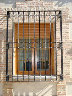 Resultado de imagen para rejas para ventanas Window Grill Design Modern, Grill Door Design, Modern Design, Iron Windows, Windows And Doors, Window Protection, Flat Interior, Interior Design, Gate House