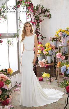 Dekolt sukni ślubnej – jak wybrać właściwą suknię ślubną?