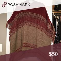 Free people poncho Flows poncho. Worn one time. Free People Sweaters Shrugs & Ponchos
