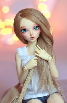 I would like to get a Minifee Chloe one day. They're very photogenic.