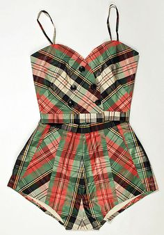 Retro Fashion Playsuit by C. Goldstein, plaid red, black, and green shorts, satin. Vintage Fashion 1950s, Mode Vintage, Vintage Wear, Retro Fashion, Vintage Dresses, Vintage Ladies, Vintage Outfits, Vintage Clothing, 1950s Dresses