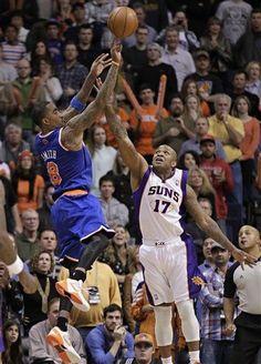 New York Knicks' J.R. Smith makes the game-winning shot over Phoenix Suns, The Knicks won 99-97