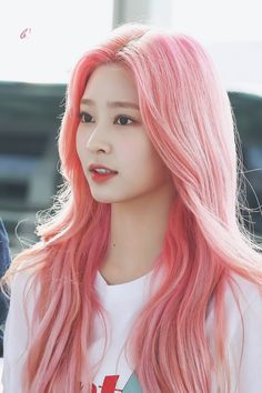B ² on - Celebrity Pastel Hair, Pink Hair, Yuri, Kpop Hair, Pre Debut, Sana Minatozaki, Japanese Girl Group, Kim Min, Light Hair