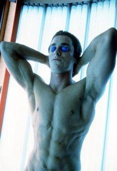 Christian Bale is Sooooo sexy in American Psycho. <3 love this movie