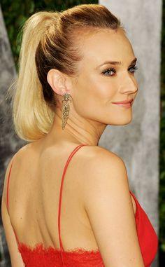 Oscar 2012 alfombra roja Vanity Fair: Diane Kruger de Calvin Klein, 80's ponny tail