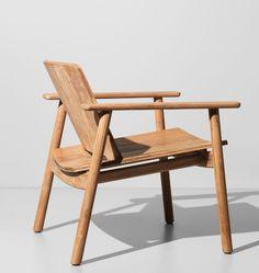 Kettal - Fauteuil de jardin en bois naturel - Design singulier et élégant de chez LOW CLUB