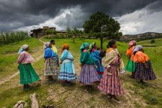 """Photographer's comment: """"The Rarámuri (Tarahumara) rely on the rich heritage of the many maize varieties that their ancestors domesticated and brought to the Sierra Tarahumara in NW Mex… Ap Spanish, Spanish Culture, Spanish Lessons, Spanish Teacher, Spanish Classroom, Teaching Spanish, Bando Municipal, Sierra Tarahumara, Hispanic Culture"""