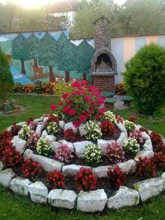 36 gorgeous DIY garden landscaping ideas you love .- 36 beautiful DIY garden landscaping ideas that you will love Garden Yard Ideas, Diy Garden, Spring Garden, Garden Projects, Diy Projects, Garden Crafts, Garden Ideas For Home, Garden Care, Creative Garden Ideas