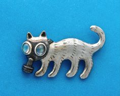 CREEPY WEIRD KITTY PIN