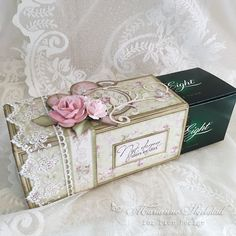 After Eight - Pion Design (Mariannes papirverden. Chocolate Card, Matchbox Crafts, Boxes And Bows, Spellbinders Cards, Card Making Tutorials, 3d Cards, Cute Packaging, Candy Gifts, Free Graphics