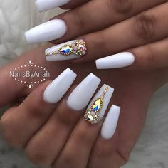 51 Ideas Nails Coffin Design Bling Nailart For 2019 Nails diamond nails Nail Designs Bling, Nails Design With Rhinestones, Acrylic Nail Designs, Diamond Nail Designs, Ongles Bling Bling, Rhinestone Nails, Bling Nails, Bling Nail Art, Swarovski Nails