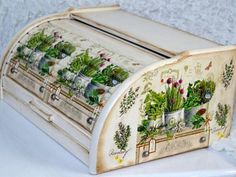 Bylinky v plecháčoch / Pupavkashop - SAShE. Decoupage Furniture, Decoupage Art, Decoupage Vintage, Hand Painted Furniture, Home Crafts, Diy And Crafts, Paper Crafts, Painted Boxes, Wooden Diy