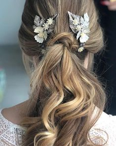 Pretty Hairstyles, Wedding Hairstyles, Oui Oui, Bride Bouquets, Bridal Headpieces, Bridal Accessories, Our Wedding, Hair Makeup, Long Hair Styles