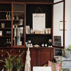 Amsterdam / Mes bonnes adresses / Photos Atelier rue verte / Rue Verte, Amsterdam, Liquor Cabinet, Storage, Boutiques, Restaurants, Hotels, Concept, Bar