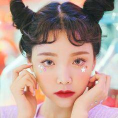 Light pink lip gloss has been a staple in every woman's makeup collection for decades. Kawaii Makeup, Cute Makeup, Beauty Makeup, Makeup Looks, Hair Makeup, Hair Beauty, Simple Makeup, Natural Makeup, Asian Makeup