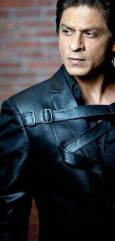 Shahrukh Khan Bollywood Stars, Sr K, Star Wars, King Of Hearts, Music Film, Sharp Dressed Man, Hrithik Roshan, Film Industry, Shahrukh Khan