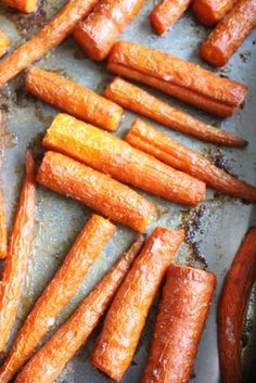 Easy Oven Roasted Garlic Butter Carrots Recipe - How to Bake Carrots in the Oven