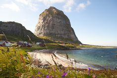 Træna - Trænstaven on Sanna island Beautiful Norway, Next Holiday, Backpacker, Spas, Vacation Ideas, Travel Around, Day Trips, Resorts, Wonders Of The World