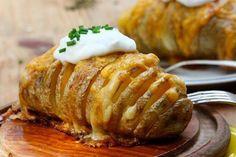 Πεντανόστιμες πατάτες στον φούρνο με τυριά !! ~ ΜΑΓΕΙΡΙΚΗ ΚΑΙ ΣΥΝΤΑΓΕΣ