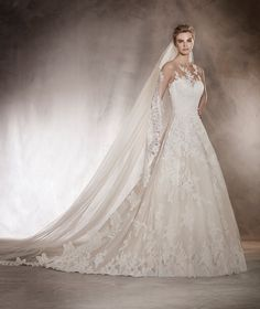 Angelica - Wedding dress with a sweetheart neckline in tulle and lace