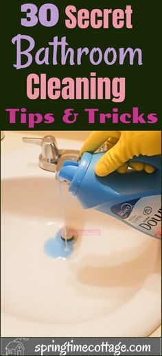 House Cleaning Checklist, Diy Home Cleaning, Bathroom Cleaning Hacks, Household Cleaning Tips, Cleaning Recipes, Cleaning Routines, Diy Cleaners, Cleaners Homemade, Bathroom Cleaners