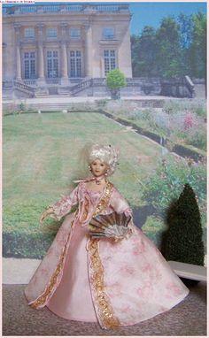 Marie Antoinette au Trianon by Béatrice Thiérus Dollhouse Dolls, Dollhouse Miniatures, Period Costumes, Marie Antoinette, Doll Face, Doll Clothes, Porcelain, Princess Zelda, Minis