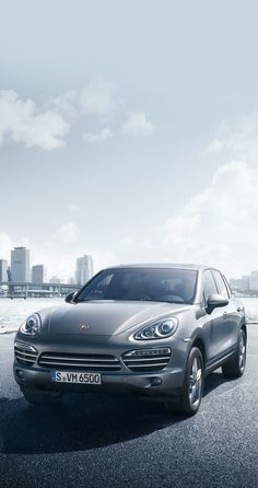 #Porsche #Cayenne Platinum Edition models: pure-bred athletes worthy of precious metal. Learn more: http://link.porsche.com/cayenne-platinum?pc=92AAPPINGA Combined fuel consumption in accordance with EU 5: 9.9-7.2 l/100 km, CO2 emissions 236-189 g/km