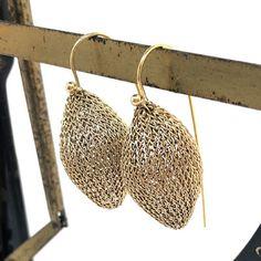 golden-zuben-earrings Italian Jewelry, Jewelry Design, Unique Jewelry, Sterling Silver Jewelry, Jewelry Collection, Jewels, Earrings, Ear Rings, Stud Earrings