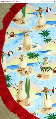 Wouldn't a beachy Christmas theme be adorable? Love these melty snowmen… Coastal Christmas Decor, Tropical Christmas, Beach Christmas, Christmas Tree Themes, Christmas In July, Outdoor Christmas, Christmas Snowman, Holiday Decorating, Christmas Projects
