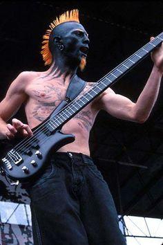 Ryan Martinie bassist of 5 strings of Mudvayne band' Heavy Metal Art, Nu Metal, Heavy Metal Bands, Gretsch, Rock N Roll, Badass, Kerry King, Music Maniac, Famous Musicians