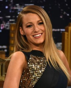 """Blake Lively Photos - Blake Lively Visits """"The Tonight Show Starring Jimmy Fallon"""" at Rockefeller Center on April 2015 in New York City. - Blake Lively Visits 'The Tonight Show Starring Jimmy Fallon' Blake Lively Ryan Reynolds, Blonde Makeup, Hair Makeup, Daily Beauty Routine, Beauty Routines, Gossip Girls, Beauty And Fashion, Look Fashion, Blake Lively Style"""
