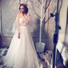 #bridal #bridetobe #weddingdress #wedding #dress #amazingdress #bridal #bridalshoot Lace Wedding, Wedding Dresses, Bridal Shoot, Nice Dresses, One Shoulder Wedding Dress, Fashion, Bride Dresses, Moda, Bridal Gowns