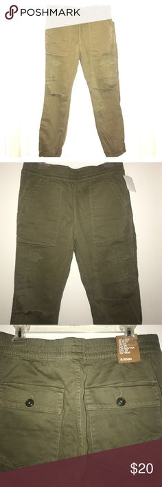 Distressed Army Joggers Army colored distressed denim jogger. Elastic waist and ankles. Cargo style front pockets, along with back button closure pockets. Never worn and tags still attached! Size 29. H&M Pants Track Pants & Joggers