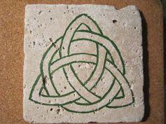 Double Celtic Knot - dmc designs