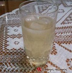Παγωμένο ρόφημα (κρύο τσάι) με λεμόνι, μελισσόχορτο και λεμονοθύμαρο. Iced Tea, Glass Of Milk, Tea Time, Food And Drink, Cooking Recipes, Herbs, Drinks, Drinking, Beverages