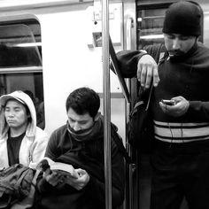 En el Metro. 0600.