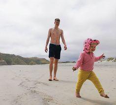 Mun ihanuudet joiden kanssa on hyvä tepastella elämää eteenpäin päivä kerrallaan.   #love #myfamily #hillasblog #newzealand #life #outdoors