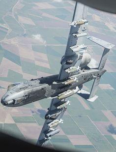 El Aviación »Nuevas fotos de EE.UU. A-10 Thunderbolt II Reabastecimiento de combustible durante la Misión Anti-ISIS Mostrar Armas interesantes