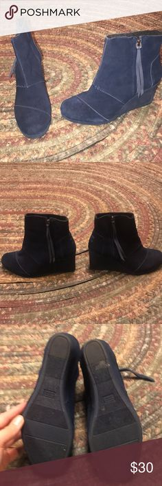 Navy blue, Toms wedges size 9.5. Navy blue, Women's Toms wedges. Size 9.5. Super cute Picture does not do these shoes justice. Maybe worn 5 times. Great condition has seen in the picture. Only selling due to a little too small for my fat feet. Smoke free home. Toms Shoes Ankle Boots & Booties